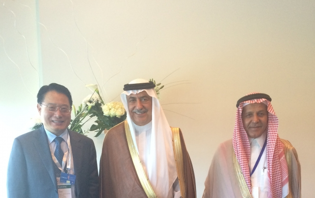 2015-DG with Minister of Finance of Saudi Arabia