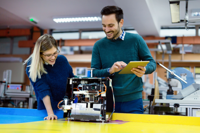 Digital transformation, innovation and industrial recovery